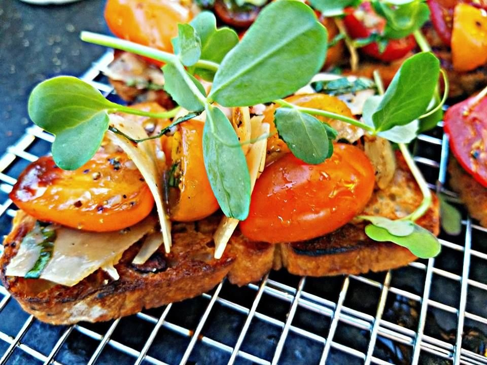 Fresh-Bruschetta_